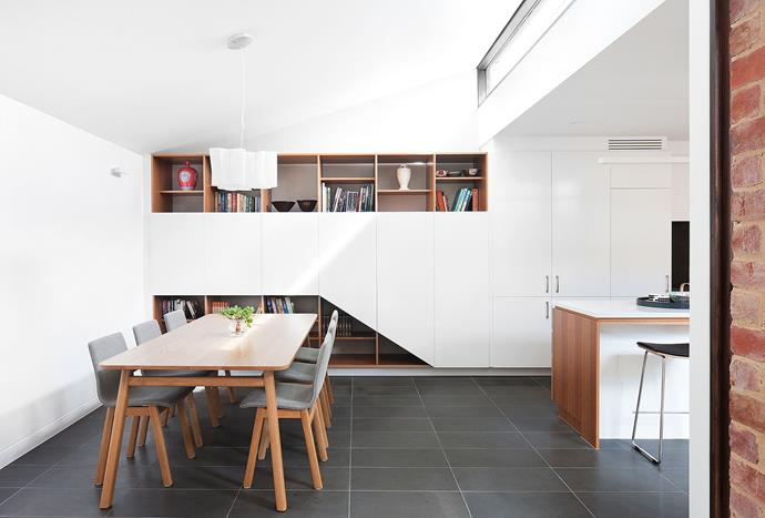 'Logico Suspension' pendant light, Artemide. 'Navy' dining table and chairs, Jardan.