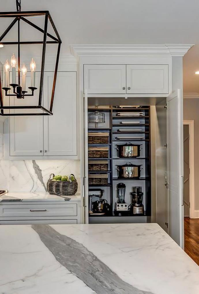 "The butler's pantry in this [Decor pad Hamptons style home](https://www.pinterest.com.au/pin/295267319307498036/|target=""_blank""