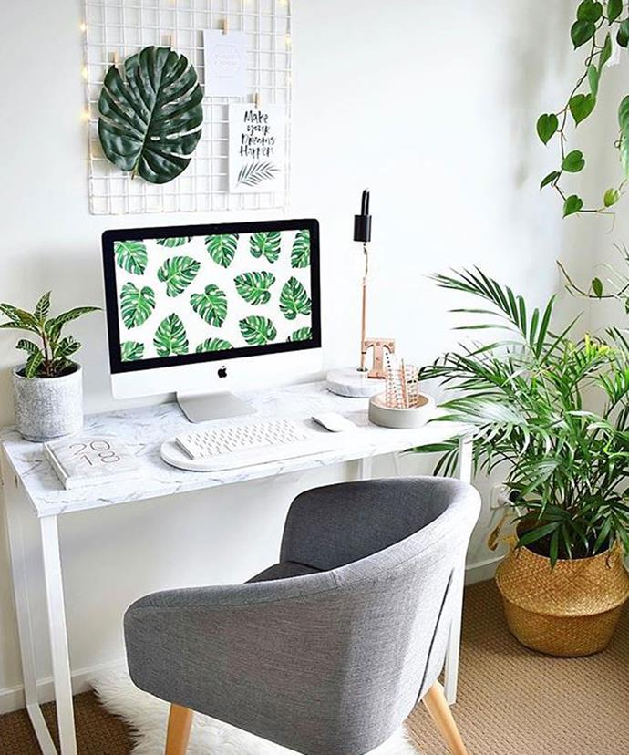 "**Marble Style Desk** <br><br> This plain wooden desk has a new chic look, thanks to white paint and marble-style wallpaper. *Photo via: [tiffanyleedonaldson](https://www.instagram.com/p/BdpE8CMBpJJ/?tagged=kmarthack|target=""_blank""