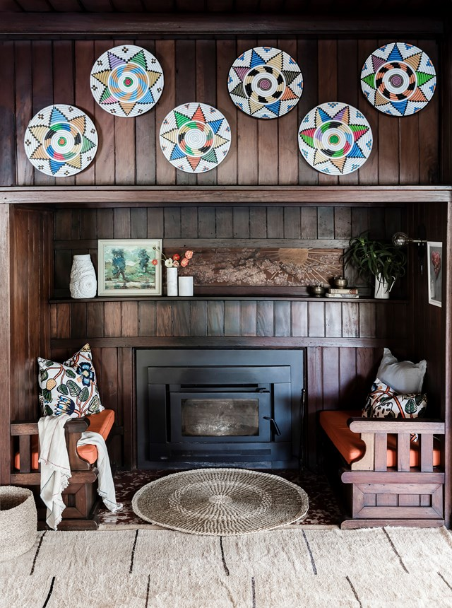 """A set of woven Moroccan bowls add pops of colour to this [renovated timber cottage](https://www.homestolove.com.au/timber-cottage-renovation-6343