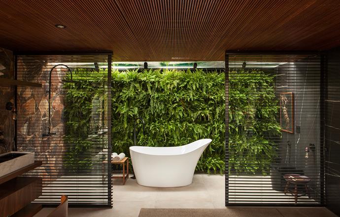 Victoria + Albert's Amalfi bath. Interior Design: mf+arquitetos | Photography: Felipe Araújo
