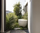 5 reasons why you need an outdoor bath