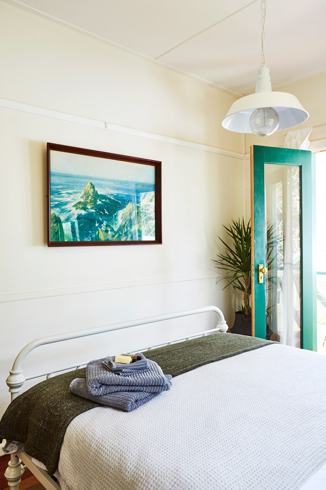 """This [1930s two-bedroom cottage in the Blue Mountains](https://www.homestolove.com.au/blue-mountains-holiday-home-6460