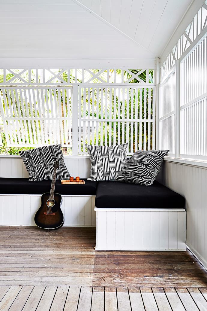 Built-in bench seating adds another level of comfort to this relaxing deck area. Photo: Alicia Taylor / bauersyndication.com.au