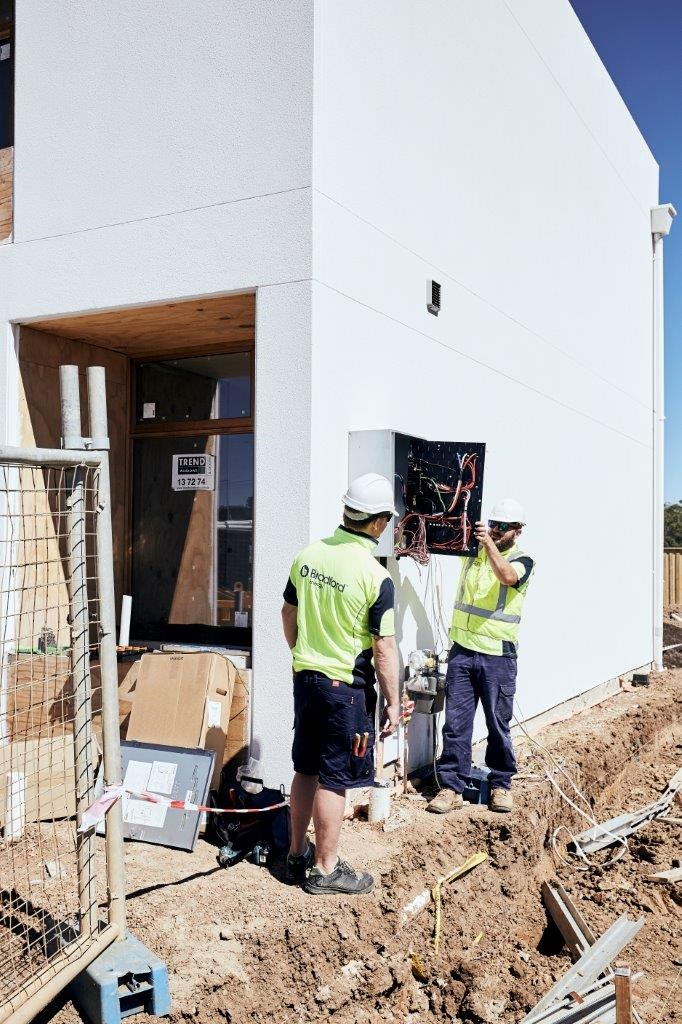 "**MARCH 28, 2018: SOLAR AND BATTERY INSTALLED** <br><br> A team from [Bradford Energy](http://www.bradfordsolar.com.au/|target=""_blank""