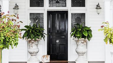 10 welcoming front door designs to inspire