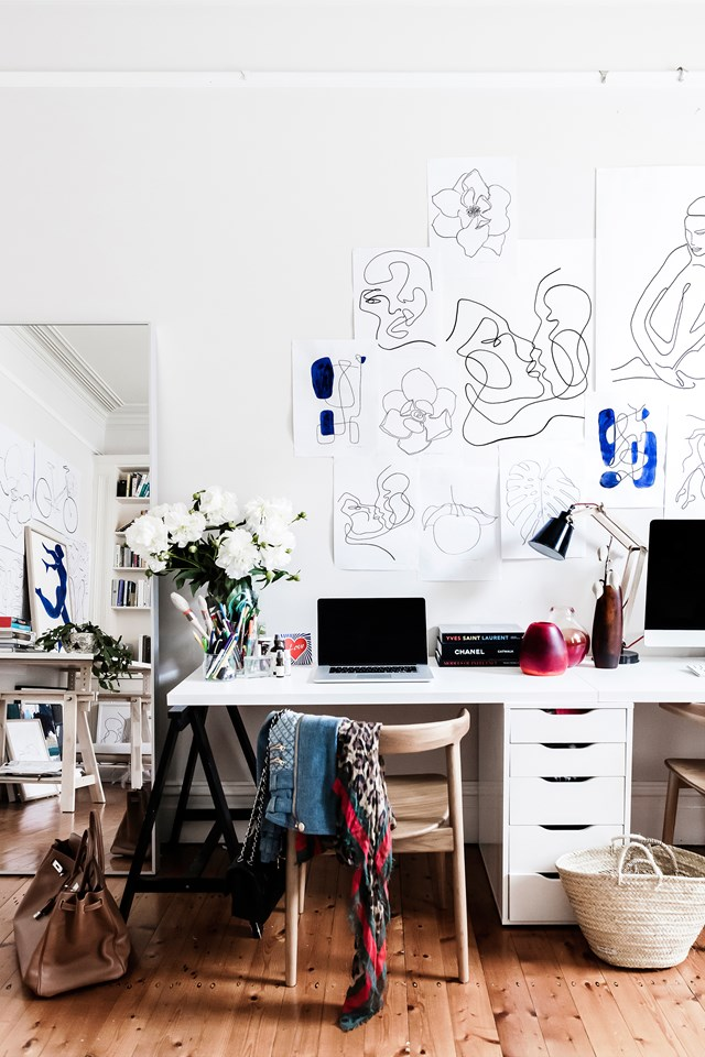 """In influencer and fashionista [Tash Sefton's stylish Sydney home](https://www.homestolove.com.au/tash-seftons-stylish-sydney-home-6549