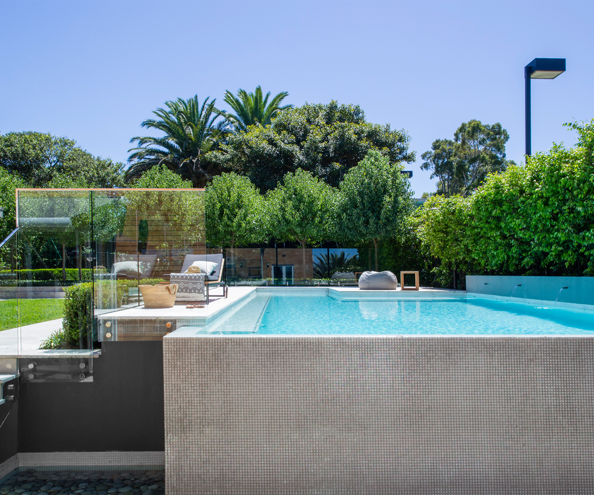 How long does it take to install a swimming pool?
