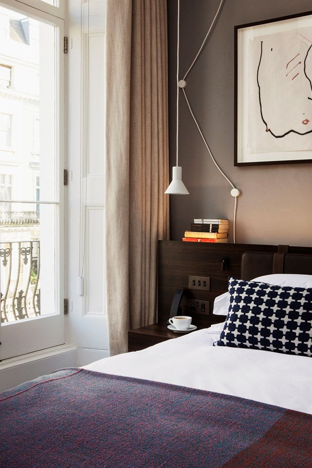 "<p>***THE LASLETT HOTEL, LONDON***<p> <p>Set yourself up in Notting Hill at [The Laslett Hotel](https://www.homestolove.com.au/an-interior-designers-guide-to-london-6647|target=""_blank"") in London. Modish interiors, bespoke furniture and a larger-than-your-average London hotel suite make for an inviting space you can really feel at home in. A stroll around the surrounding neighbourhood will take you from upscale boutique shops to Portobello Markets. <p>**For bookings and information, visit [Mr & Mrs Smith Boutique Hotels](https://fave.co/2ADvsNw