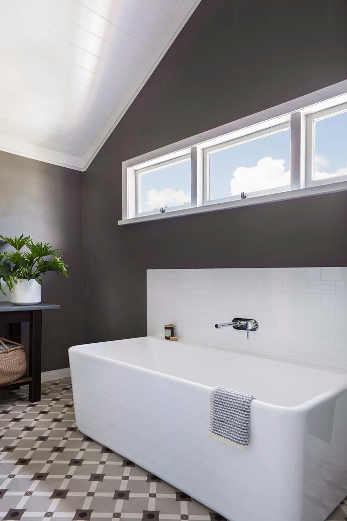 **Let there be light.** Lucky enough to have a window in your bathroom? Make it the focal point of the room to instantly add instant wow factor (and depth), especially to a small space. If you're renovating, opt for a high window away from prying eyes so there's no need for blinds. When natural light isn't an option, switch to soft lighting and use under-cupboard bulbs and vanity touch lamps to add extra brightness where needed.  <br><br> *Photography: Bo Wong / bauersyndication.com.au*
