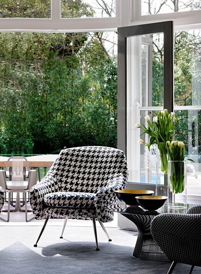"Arflex 'Martingala' chairs from [Poliform](https://www.poliformaustralia.com.au/|target=""_blank""|rel=""nofollow""). Platner coffee table from De De Ce."