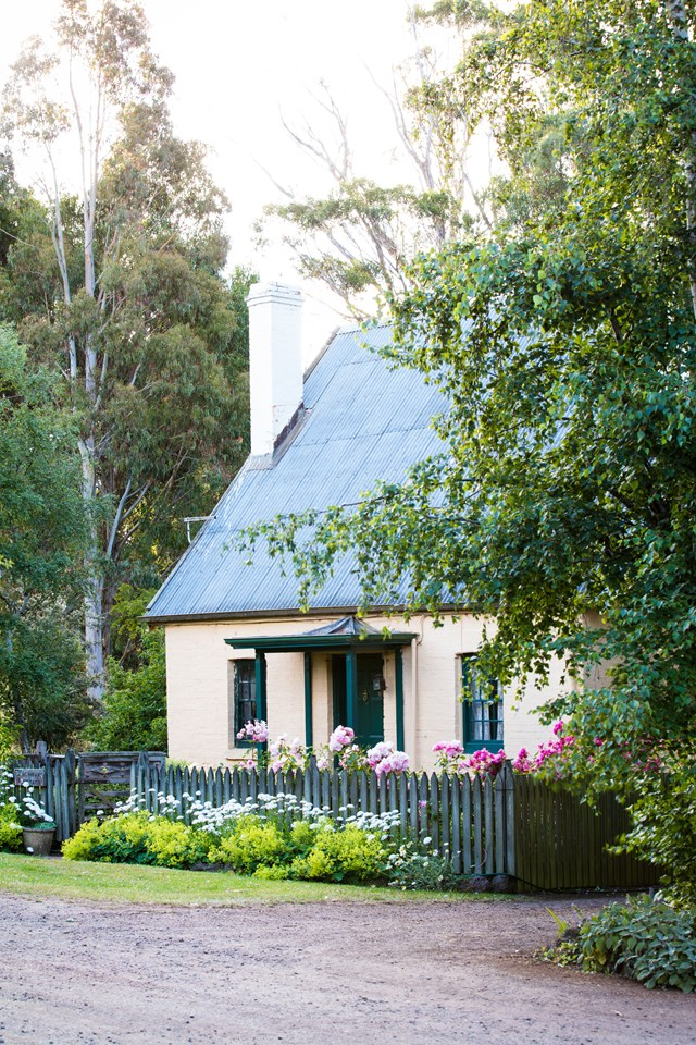 "On the grounds of [Brickendon Estate in Tasmania](https://www.homestolove.com.au/the-breathtaking-gardens-of-historic-brickendon-estate-tasmania-6924|target=""_blank"") you will find the quaint Coachman's cottage. Its pale pink exterior façade juts out from its own lush English-style garden. The best thing about this cottage, is that it is available to rent as [holiday accommodation](http://brickendon.com.au/accommodation/historic/coachmans_cottage