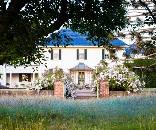 Exterior of Georgian style mansion on Brickendon Estate in Tasmania