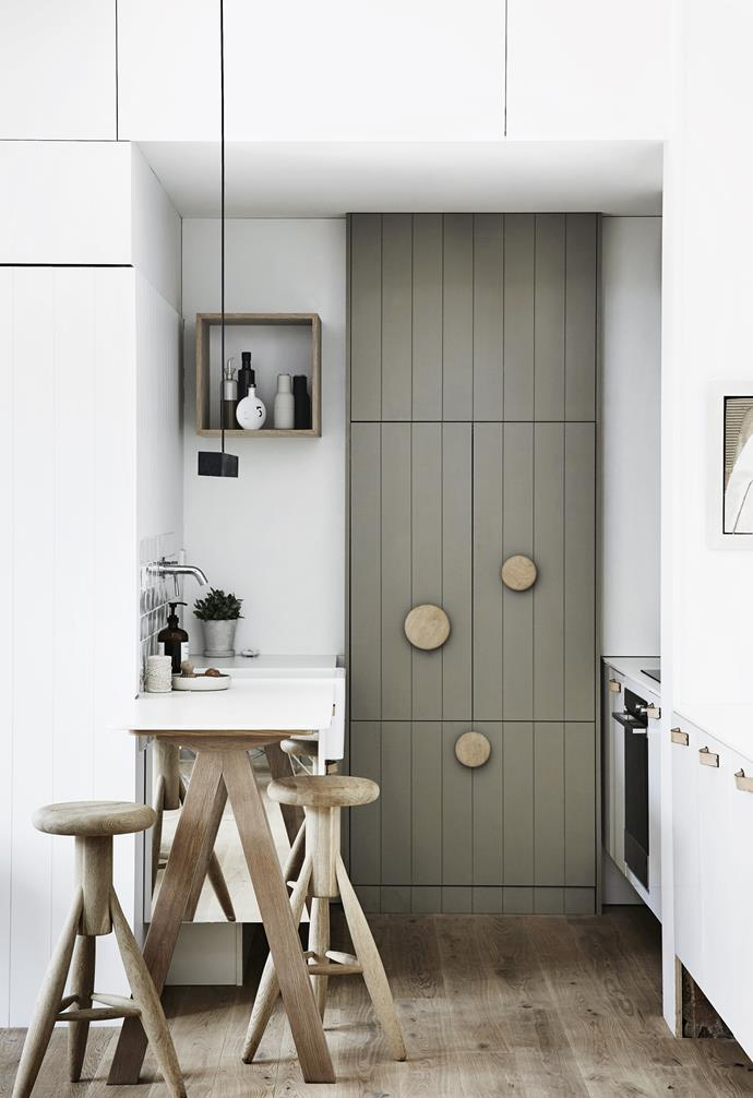 "**Hide and seek** A compact workspace includes an integrated fridge, cooking zone and sink. Cabinetry continues seamlessly into the living area but doesn't necessarily 'read' as part of the kitchen zone. *Design: [Whiting Architects](http://whitingarchitects.com/|target=""_blank""