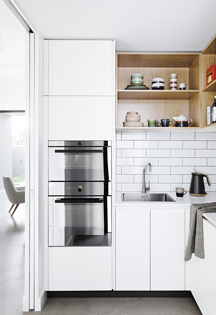 "**Double ovens** A pair of V-Zug ovens are built into the cabinetry in this Scandi-style kitchen by Cantilever Interiors. They're at waist and eye height for easy access. *Photography: Martina Gemmola | Styling: Ruth Welsby | Design: [Cantilever Interiors](https://www.cantileverinteriors.com/|target=""_blank""
