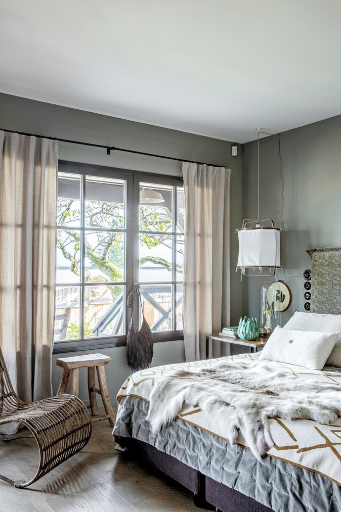 "The master bedroom is a restful space, styled with neutral colours and layers of warm materials like [natural linen](https://www.homestolove.com.au/buyers-guide-to-bed-linen-2562|target=""_blank"") and velvet."