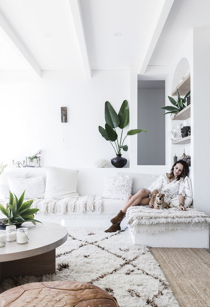 "**Living area** The built-in sofa is dressed in Moroccan and Indian blankets, which add cosy texture and an element of sparkle with their little mirrored details. Moroccan wedding blankets, [Azul Bereber](https://azulberebershop.com/|target=""_blank""