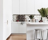 10 kitchens with a touch of bling
