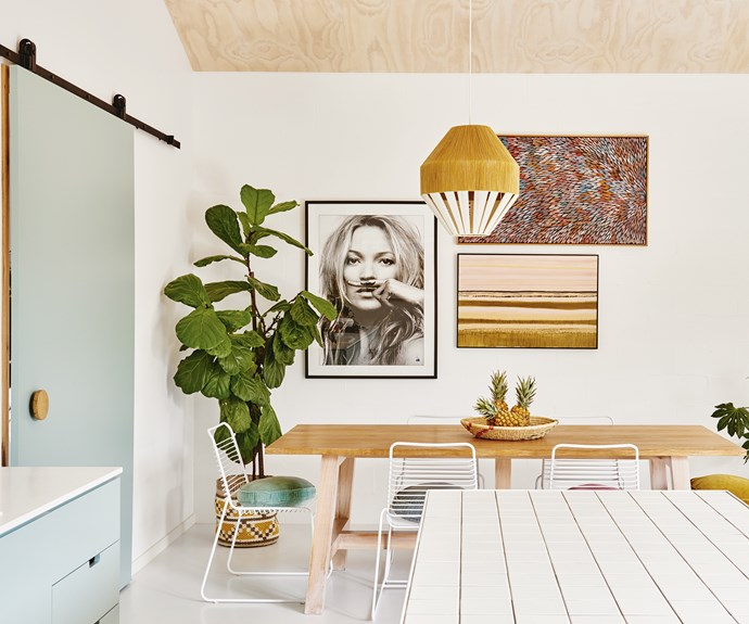"**Dining area** A Kate Moss print hangs beside Margaret Scobie's *Bush Medicine Leaves* and a piece from Tory Burke's Pink Diptych series from [Studio Elwood](https://www.studioelwood.com.au/|target=""_blank""