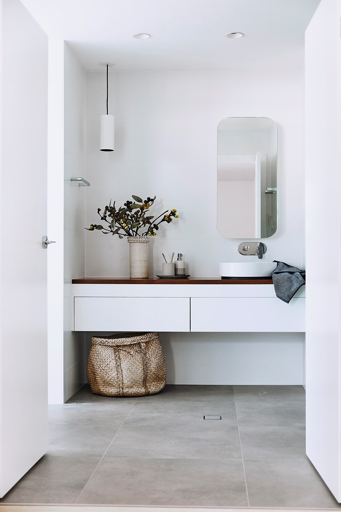 """A Rifco 'Acqua' blackwood-topped vanity from Reece is the star feature of the ensuite. *Australian House & Garden* 'Bailey' bathroom accessories, [Myer](https://www.myer.com.au/webapp/wcs/stores/servlet/SearchDisplay?searchTermScope=&searchType=1002&filterTerm=&orderBy=0&maxPrice=&showResultsPage=true&langId=-1&beginIndex=0&sType=SimpleSearch&metaData=&pageSize=12&manufacturer=&resultCatEntryType=&catalogId=10051&pageView=image&searchTerm=&facet=mfName_ntk_cs%253A%2522Australian%2BHouse%2B%2526%2BGarden%2522&minPrice=&categoryId=17940&storeId=10251. target=""""_blank"""" rel=""""nofollow"""")"""
