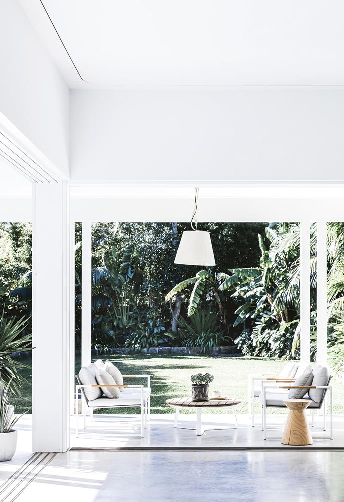 "**Outdoor living area** This slimline outdoor setting creates a breezy breakfast spot. 'Miami' Outdoor pendant light, [Gineico Interiors](https://gineicointeriors.com/|target=""_blank""