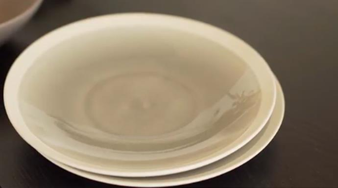 "[Riverstone Crackle 21.5cm Grey side plate](https://www.myer.com.au/shop/mystore/riverstone-crackle-215cm-grey-side-plate-568899460|target=""_blank""