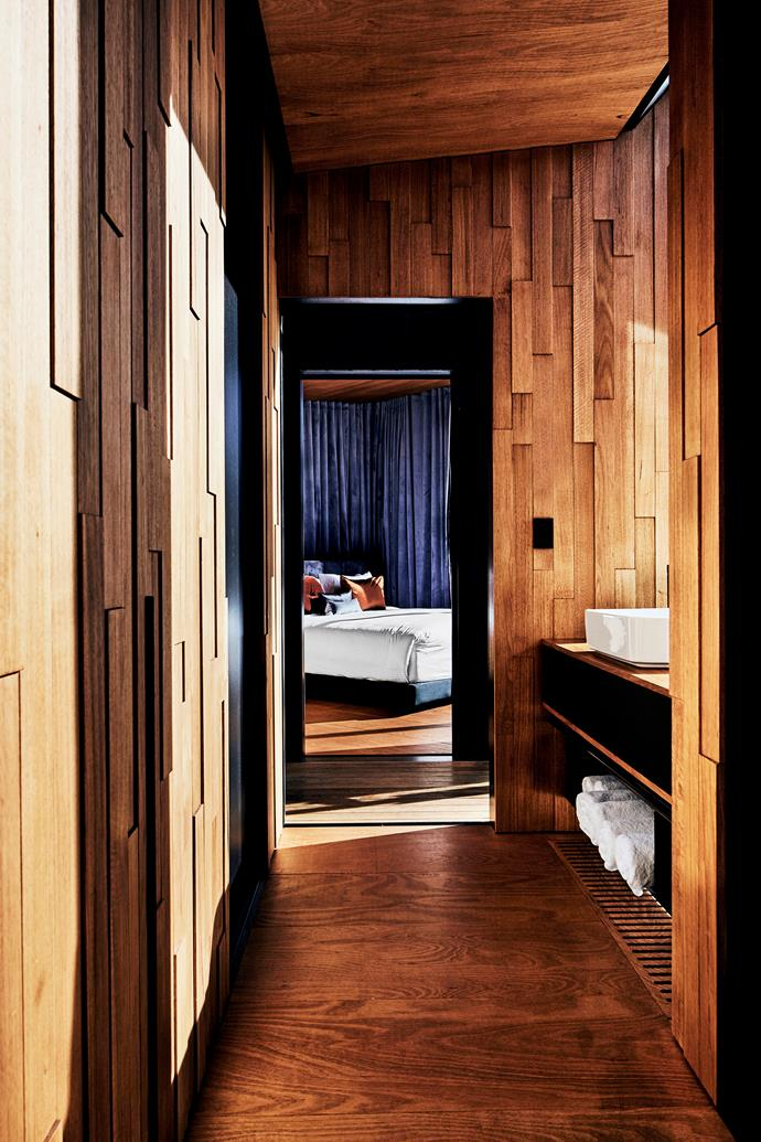 Tasmanian Oak was used for the interior walls and floors to create warmth. The brick pattern produces spatial texture and shadow as the light changes.