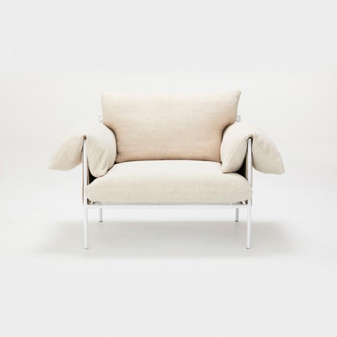 "'Alva' linen lounge chair, $1,595, from [Sarah Ellison](https://sarahellison.com.au/collections/the-new-wave/products/alva-lounge-chair-linen?variant=59778981515|target=""_blank""|rel=""nofollow"")."