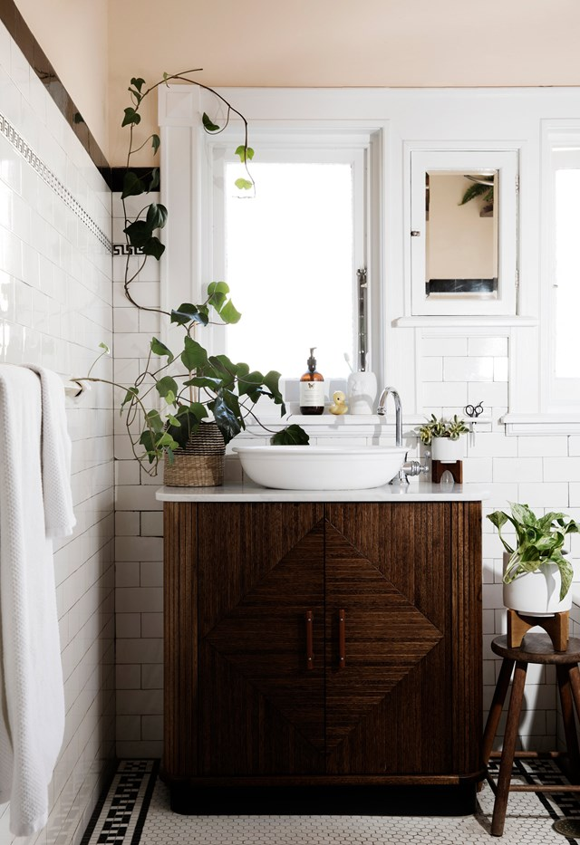 Sarah Doyle, a restauranteur and a fan of all things vintage and retro, took an art-deco dresser and transformed it into a stylish vanity for her Sydney home. When re-decorating her home in partnership with West Elm and Pottery Barn, Sarah's top priority was to create a child-friendly space for her three daughters.