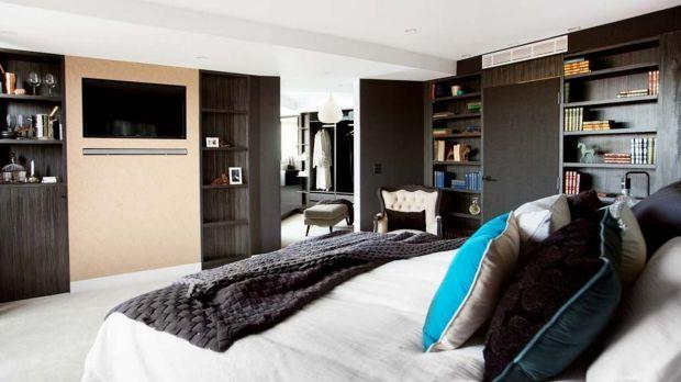 "**The Blocktagon - Suzi and Vonni** - Suzi and Vonni's winning master bedroom earned the duo a perfect score. The suite, which wouldn't look out of place in a [luxury hotel](https://www.homestolove.com.au/gallery-vivienne-and-maxs-luxe-hotel-inspired-home-1671|target=""_blank""), was complete with a [mini bar](https://www.homestolove.com.au/weekend-goals-the-best-rooftop-bars-around-the-world-3036