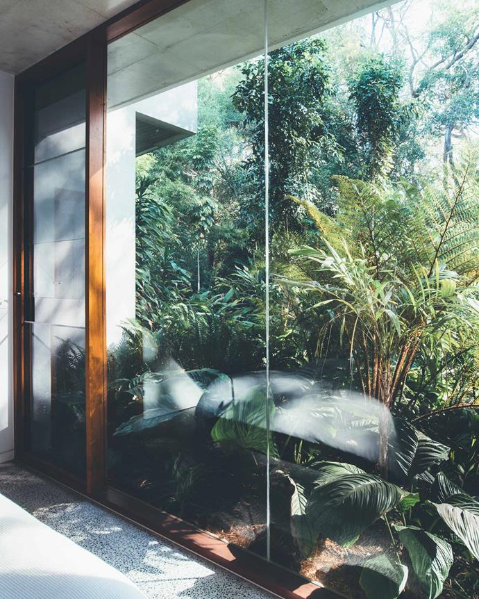 "Teeland Architects collaborated with landscape expert [Steven Clegg](https://stevencleggdesign.com.au/|target=""_blank""