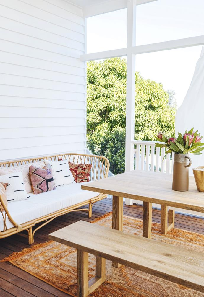"**Deck** Afternoon breezes are enjoyed relaxing on a Lounge Lovers wicker daybed, or perhaps with casual dining on the 'Bronte' oak table and benches, also from [Lounge Lovers](https://www.loungelovers.com.au/|target=""_blank""