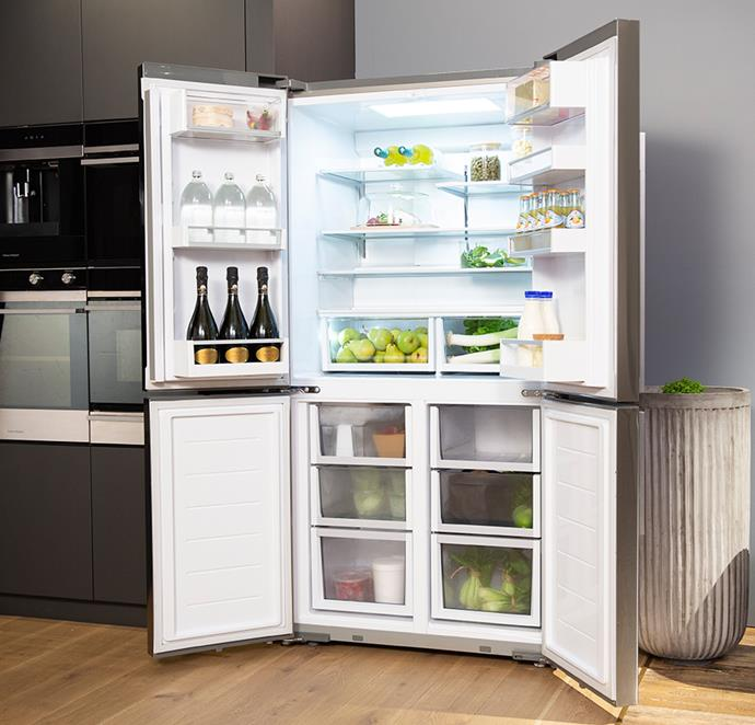 Fisher & Paykel's LED lighting provides superb illumination while keeping energy usage to a minimum — easily see every shelf and every bin at a glance.