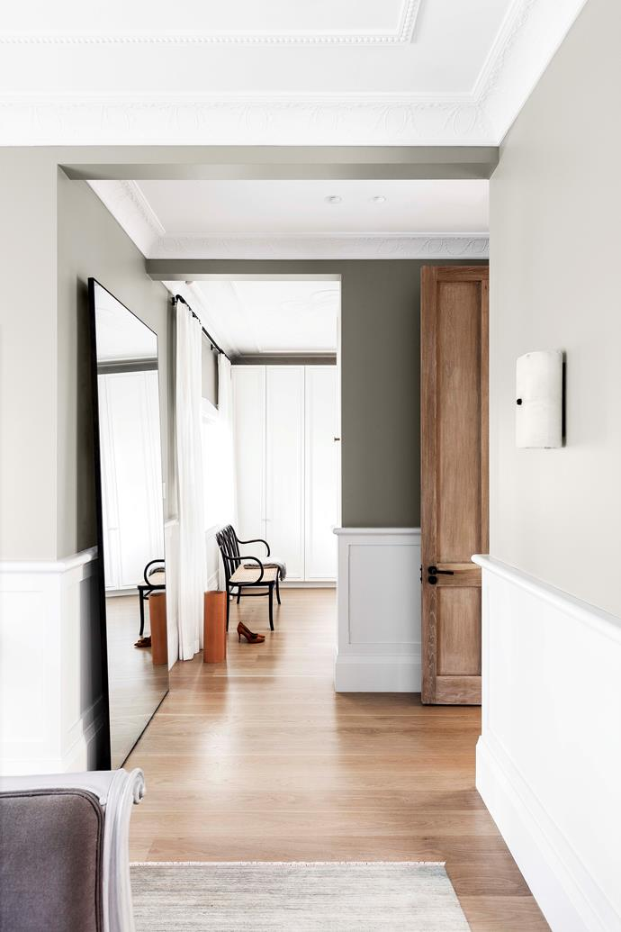 """An oversized [floor mirror](https://www.homestolove.com.au/on-reflection-mirror-ideas-for-every-room-in-the-home-15750