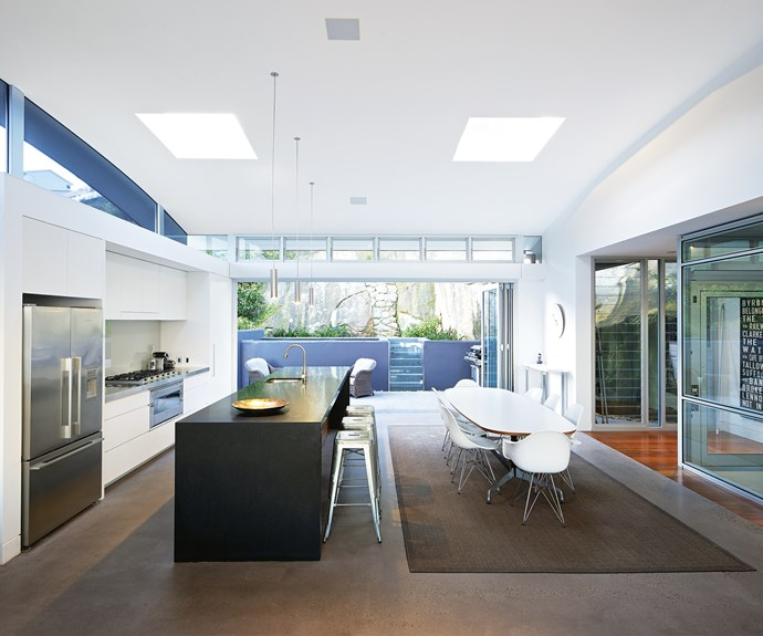 """**Always sunny** The passive solar design principles in this coastal Sydney home by [Sue Connor Architects](http://www.sueconnor.com.au/ target=""""_blank"""" rel=""""nofollow"""") allow for an energy-efficient, open-plan design. *Architecture: [Sue Connor Architects](http://www.sueconnor.com.au/ target=""""_blank"""" rel=""""nofollow"""")*."""