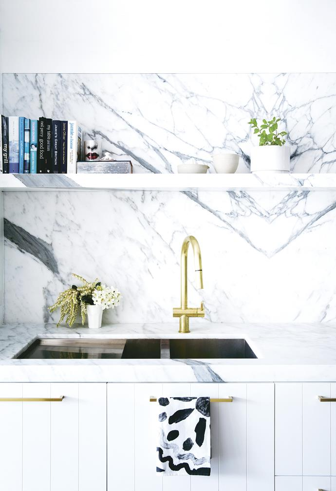 """**Show off** Keep your [benchtop](http://www.homestolove.com.au/how-to-pick-the-right-kitchen-benchtop-2655