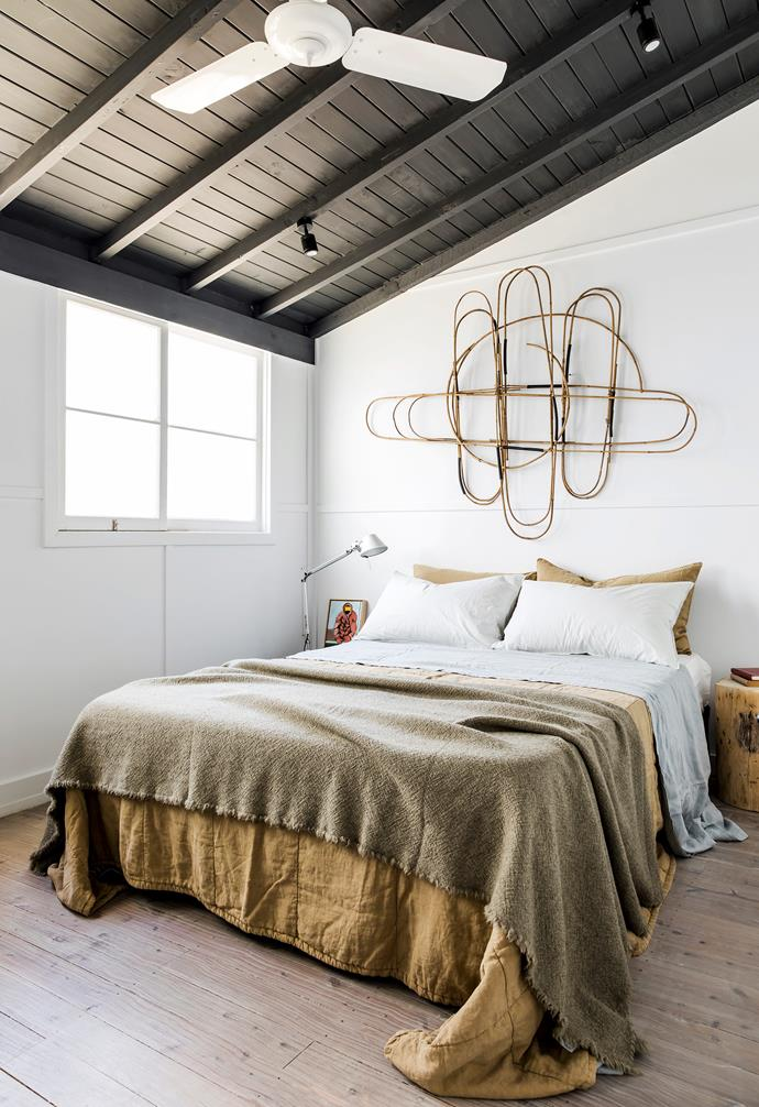 """**Bedroom/study** All eyes are drawn towards an untitled Alison Coates sculpture in the spare room. The Society bedlinen, blanket and bedspread are all from Ondene. 'Tolomeo' lamp, [Artemide](https://www.artemide.com/en/home