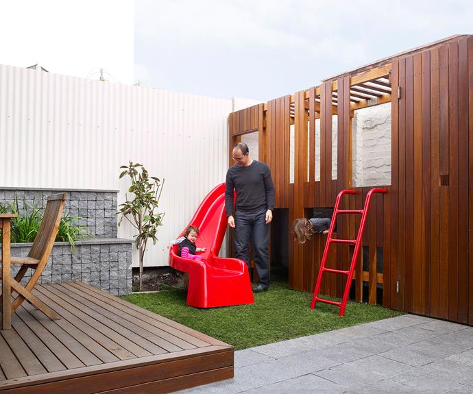 Teeny tiny inner Melbourne backyard? That doesn't mean you can't play big in a two-level play space. This modern cubby house makes use of an unused corner in this compact courtyard and had been designed to tie in with the outdoor entertaining area.