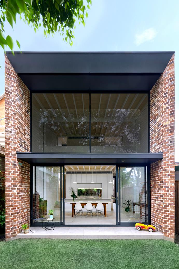 In this project, Sydney's Kreis Grennan Architecture used dry-pressed bricks recycled from structures demolished on site.