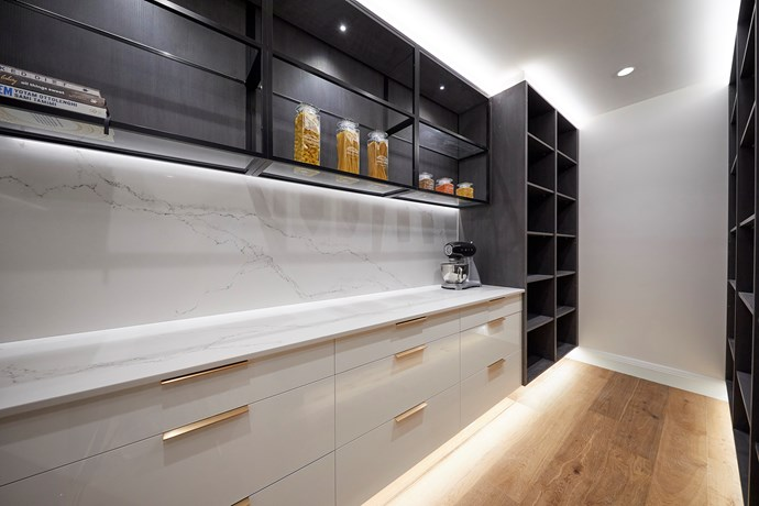 """A sophisticated colour palette, LED strip lighting and plenty of storage space had former Block winner [Shannon Voss praising the kitchen](https://www.homestolove.com.au/the-block-2018-room-reveal-kitchen-shannon-vos-19003