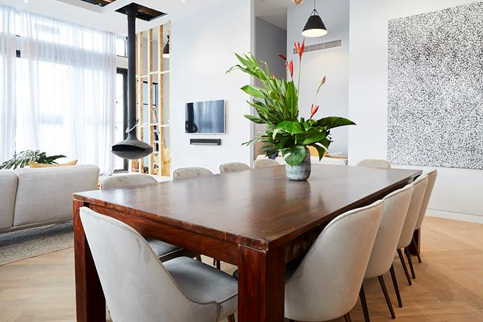 **Dining room -** While were not sure about the Gumtree dining table the artwork and dining chairs in Norm and Jess' dining room are sophisticated and timeless.