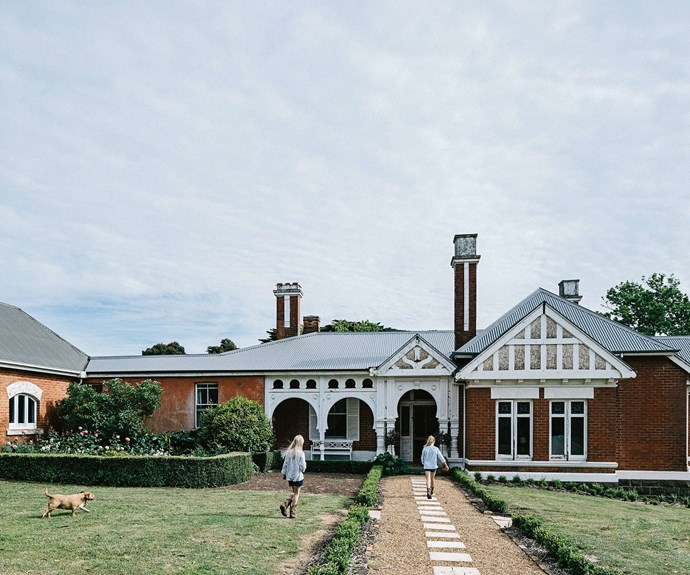 "Known as Mount Koroite, this [welcoming homestead in Coleraine, Victoria](https://www.homestolove.com.au/welcoming-family-homestead-near-coleraine-victoria-13987|target=""_blank"") was originally built in the mid-19th century, as an amalgam of a humble farm build and grand Queen Anne style. 