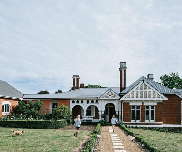 """Known as Mount Koroite, this [welcoming homestead in Coleraine, Victoria](https://www.homestolove.com.au/welcoming-family-homestead-near-coleraine-victoria-13987