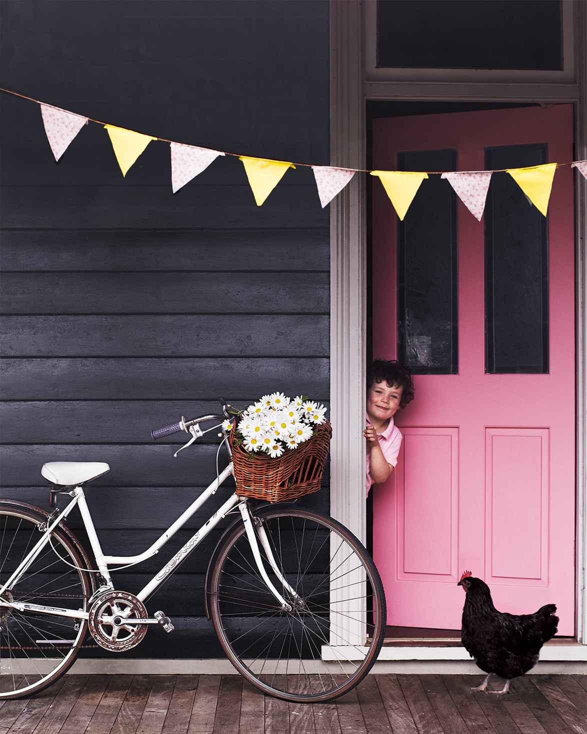 """Rain or shine, this [Blue Mountains cottage](https://www.homestolove.com.au/retro-style-furniture-12135