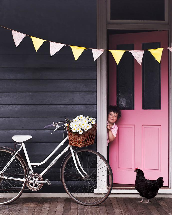 """Rain or shine, this [Blue Mountains cottage](https://www.homestolove.com.au/colourful-cottage-in-the-mountains-12135