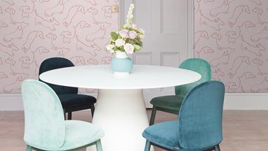 This sausage dog wallpaper is a pet-lover's dream