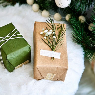 10 ways to spend less this Christmas