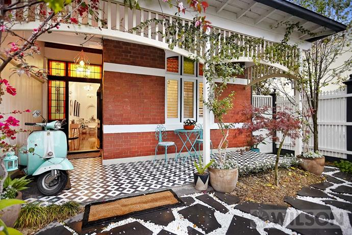 "The charming exterior of this [Edwardian home](https://www.homestolove.com.au/gallery-edwardian-restoration-for-a-family-home-2447|target=""_blank"") only hints at the vibrant interiors of this St Kilda home. *Image courtesy of Domain.*"