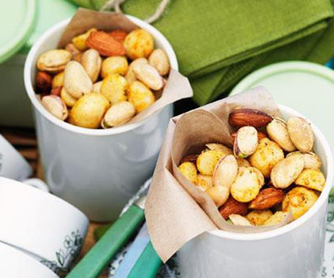 "[Macadamia nibble mix](https://www.womensweeklyfood.com.au/recipes/macadamia-nibble-mix-10612|target=""_blank""): In between courses, ensure there's still something for guests to snack on."