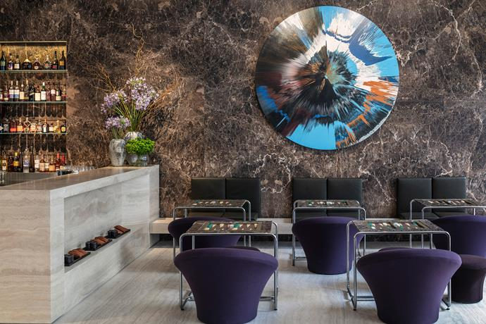 In the hotel bar, shesh besh boards (for a game that is similar to backgammon) were custom-designed by John Pawson. The artwork is by Damien Hirst.